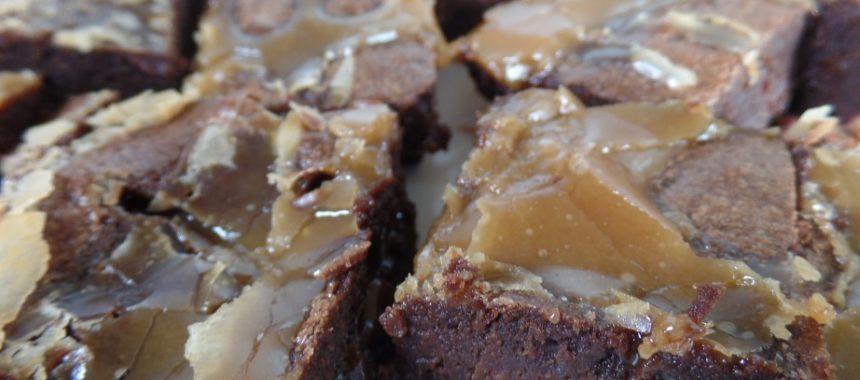 Brownies met gezouten karamel