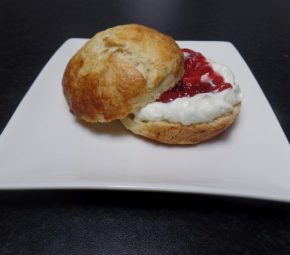 Scones met clotted cream fodmap