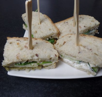 Broodje brie met basilicum en rucola fodmap