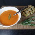 Tomatensoep met paprika en rozemarijn