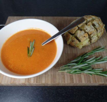 Tomatensoep met paprika en rozemarijn fodmap