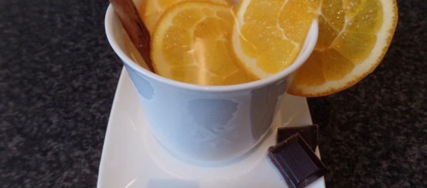 Kruidige sinaasappelthee