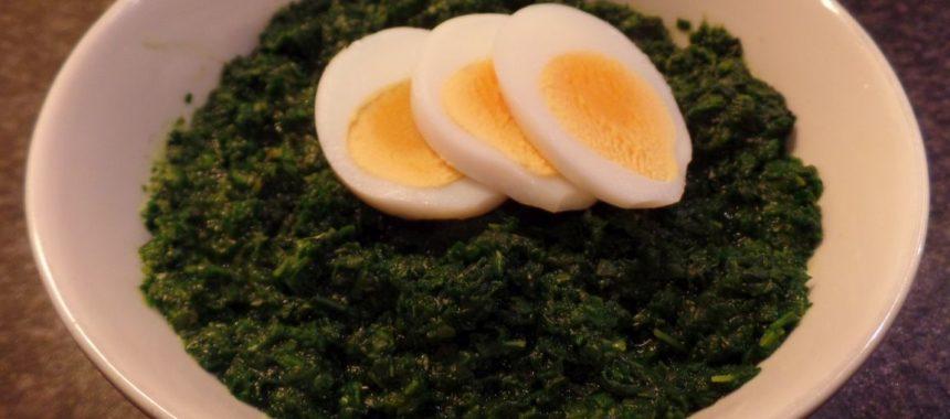 Spinazie met gekookt ei