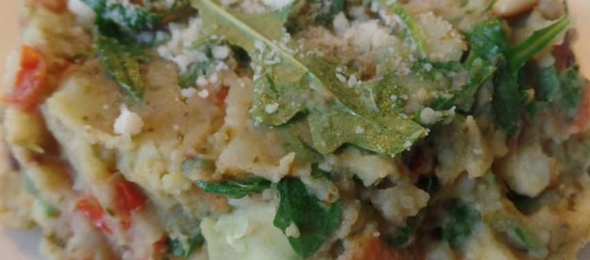 Rucolastamppot met tomaat en Parmezaanse kaas