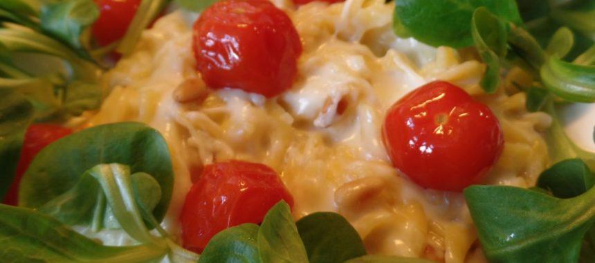 Romige pasta met veldsla