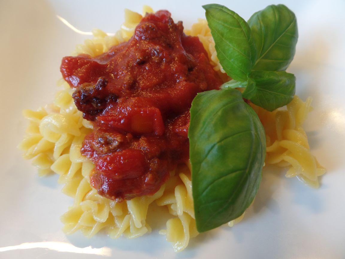 Pasta met rode saus en basilicum fodmap