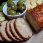 Zelfgemaakte grillworst met kaas