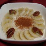 Spicy kwark met banaan en walnoten