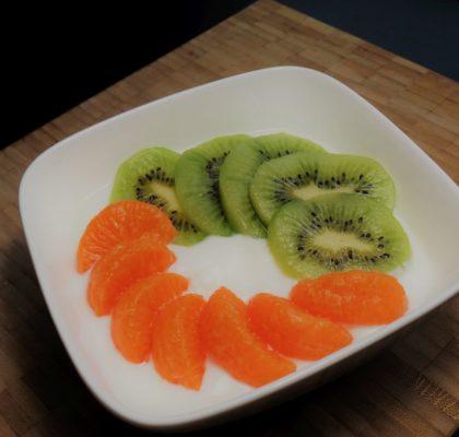 Frisse kwark met mandarijn en kiwi