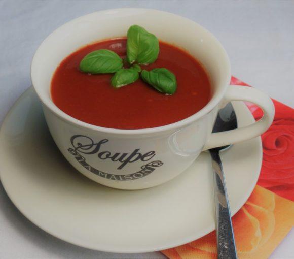 Vegetarische Italiaanse tomatensoep