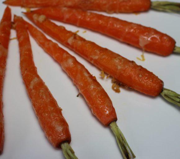 Geroosterde bospeen met parmezaan